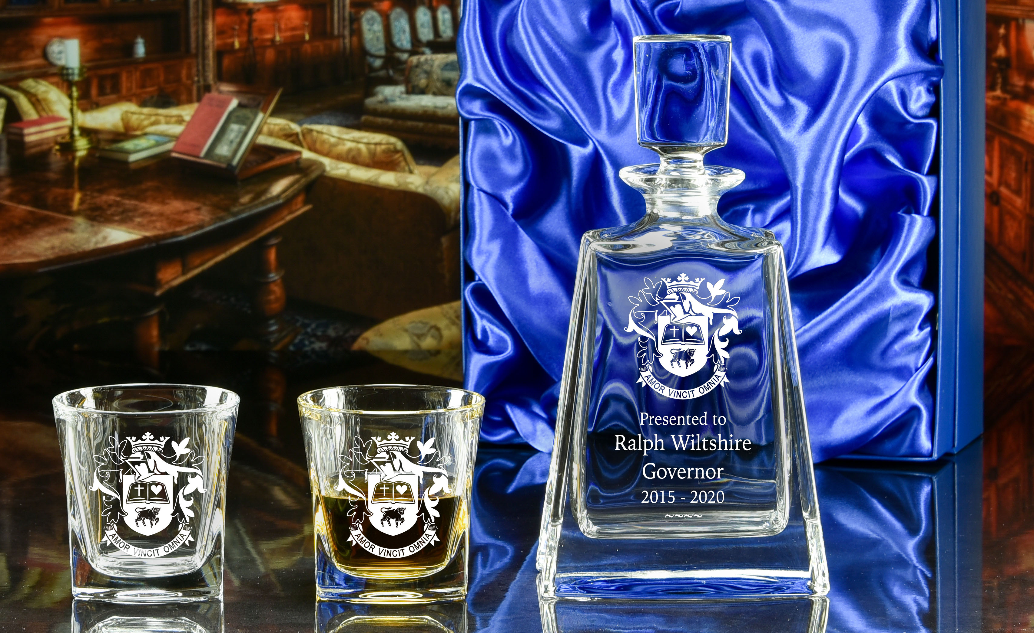 Click here to view more boxed decanter sets!
